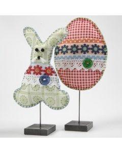 Huovasta tehtyjä pääsiäiskoristeita