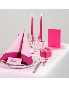 Pirteän pinkki juhlapöytä