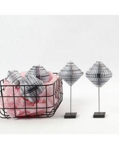 Kirjansivutaittelua Vivi Gade Design-paperista