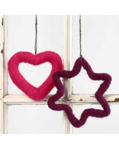 Neulahuovuttamalla koristellut sydän ja tähti