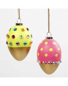 Maalatut, akryylitimantein koristellut munat