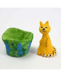 Kissa paperimassasta ja styroxsista