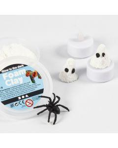 Valoisa kummitus Foam Clay:sta ja LED-tuikusta