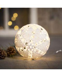 Puuvillalangasta tehty valaistu pallo