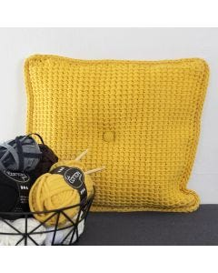 Tunisialaisella virkkuukoukulla virkattu tyynyliina