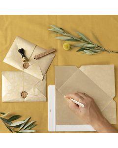 Sinettilakalla suljettu itsetehty kirjekuori