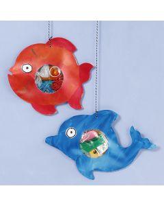 Muovilla täytettyjä kaloja