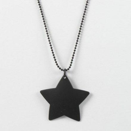 Musta tähti mustassa ketjussa