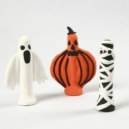 Halloween hahmot silkkimassasta ja pyykkipojista
