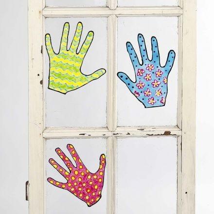 Värikkäät kädet