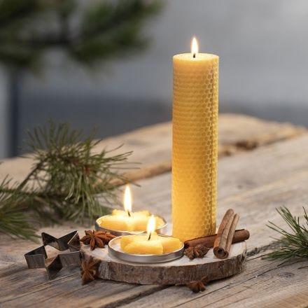 Kynttilöitä mehiläisvahasta