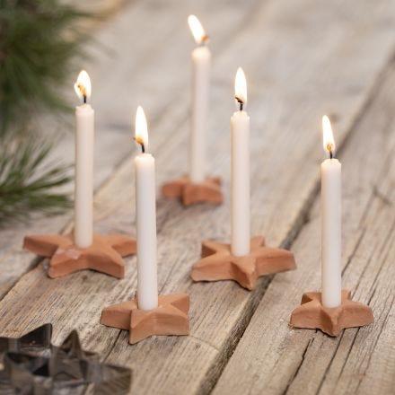 Tähden muotoiset kynttilänjalat itsekovettuvasta savesta