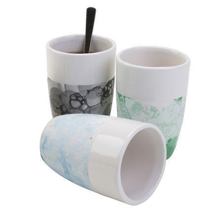 Ceramics with bubble technique