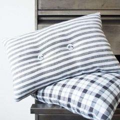 Koristeltu tyynynpäällinen keittiöpyyhkeestä