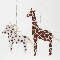 Hevonen ja kirahvi turkkikuvioisesta kartongista
