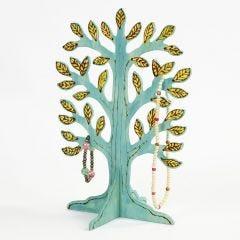 Koristeltu ja maalattu puu