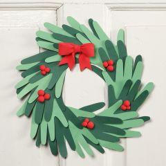 Joulukranssi kartonkikäsistä ja Silk Clay-koristeista