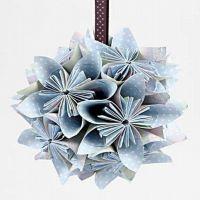 Paperista tehty kukkapallo