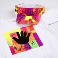 Aurinkolippa ja T-paita maalattu Neon Textil Color väreillä