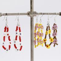 Kukkakorvakorut Rocaille-siemenhelmistä