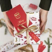 Koristefoliolla koristellut lahjapakettikortit