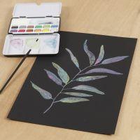 Metallic-vesiväreillä maalattu kuva mustalle vesiväripaperille
